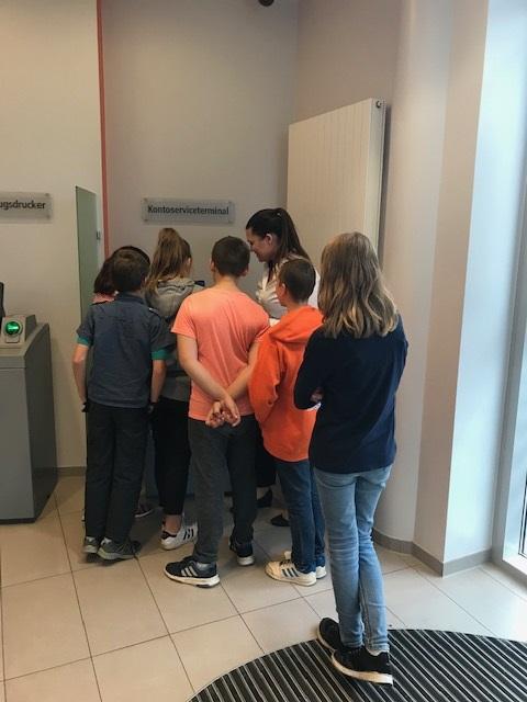 Erläuterung der Automaten in der Filiale